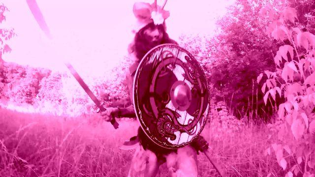 NUDE POETRY - 2 Kriegerinnen